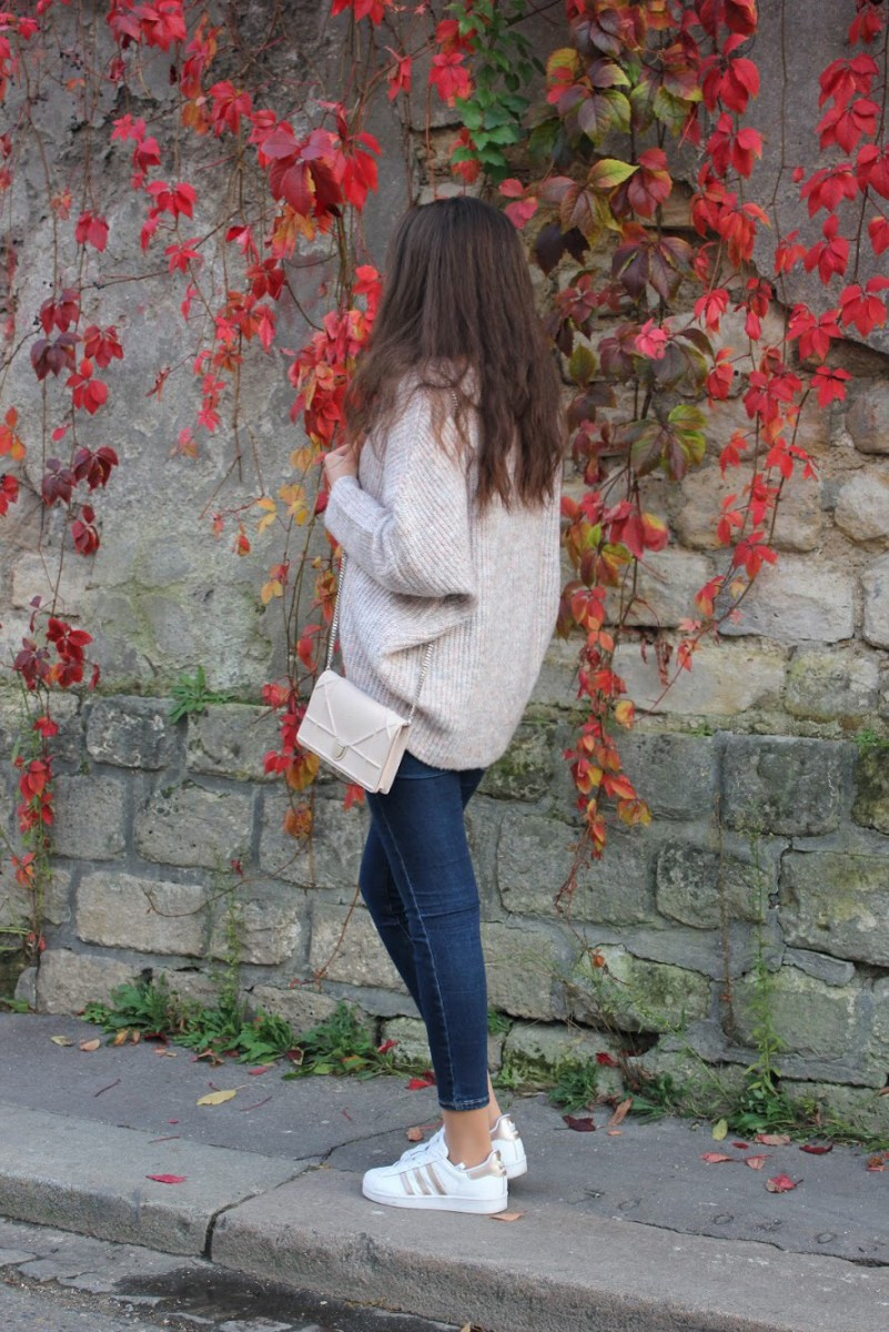 DOLMAN-SLEEVE SWEATER
