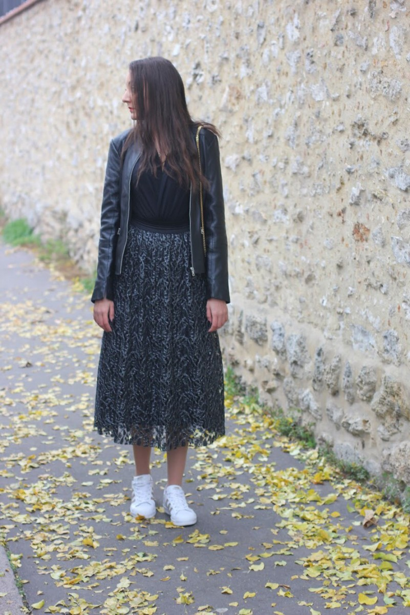 WRAP NECKLINE & METAL THREAD LACE SKIRT