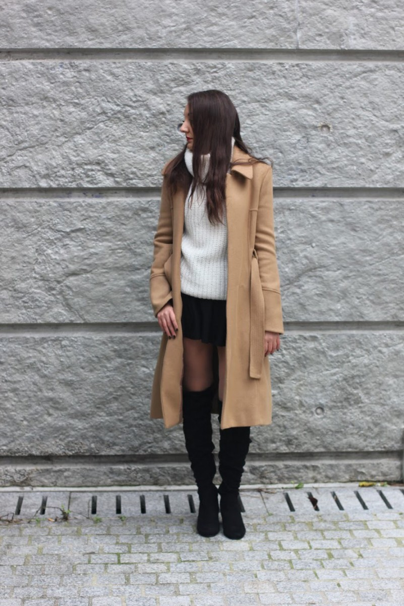 TURTLE NECK SWEATER & BELTED WOOL COAT